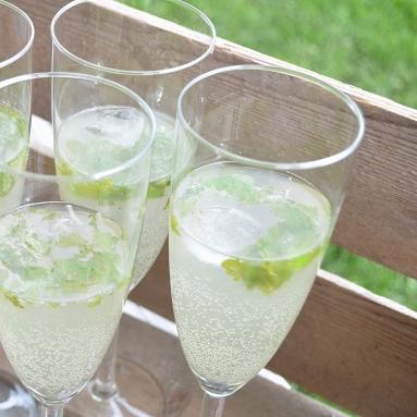 Lime och ingefära dryck
